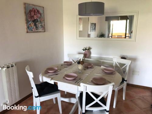 Cómodo apartamento en Roma con terraza y wifi.