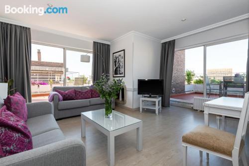 Espacioso apartamento en Madrid ¡Con terraza!