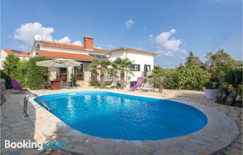 Apartamento con piscina en Kanfanar
