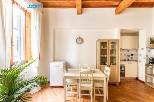 Superbo appartamento con 1 camera da lettonel midtown di Firenze.