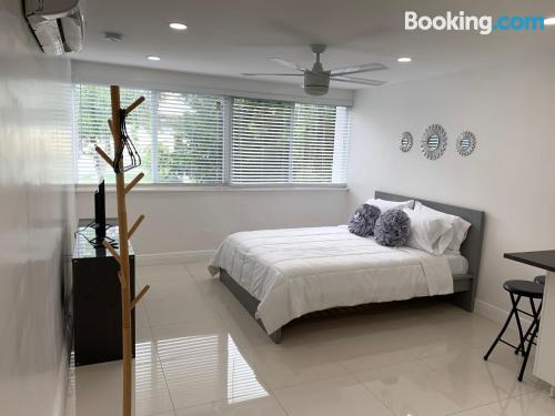 Home for couples in Miami. Air-con!.