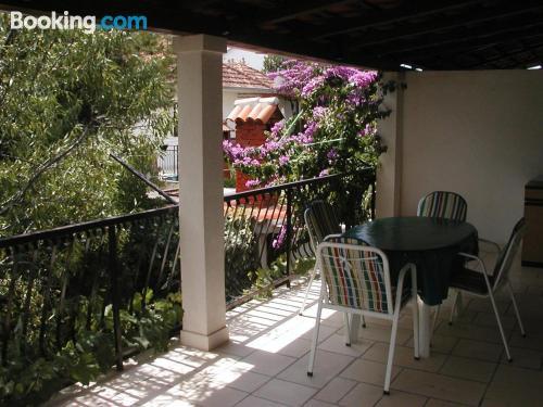 Apartamento con terraza en Supetar.