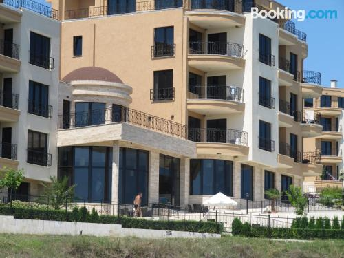 1 bedroom apartment apartment in Lozenets with swimming pool.