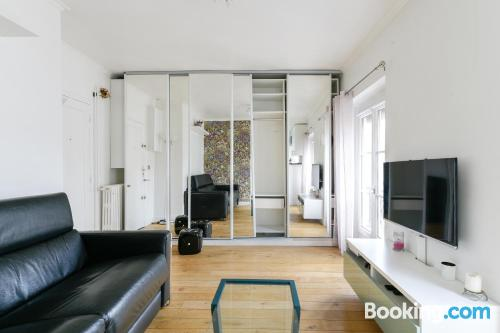 Apartment for 2 people in Paris with wifi.
