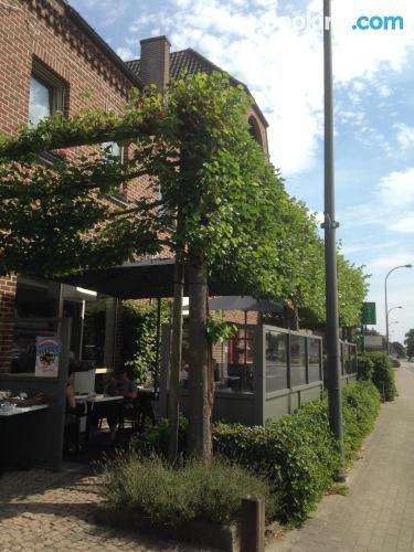 Cuco apartamento dos personas con terraza
