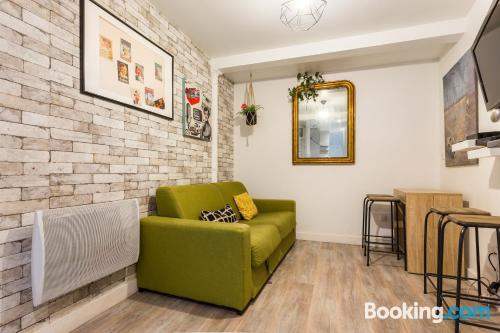 Two room apartment in Paris great for groups!