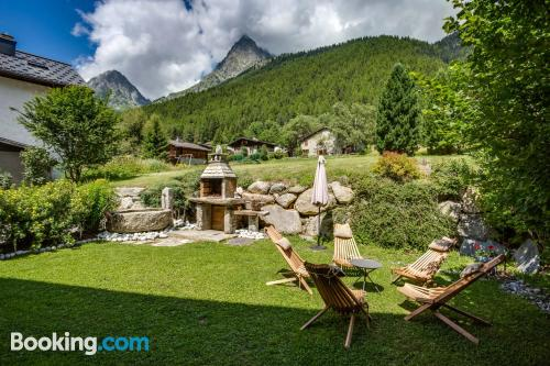 Vallorcine amazing location! with terrace and wifi.