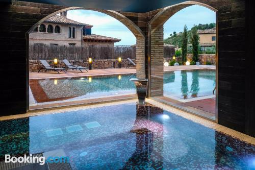 Estudio cuco con piscina y terraza