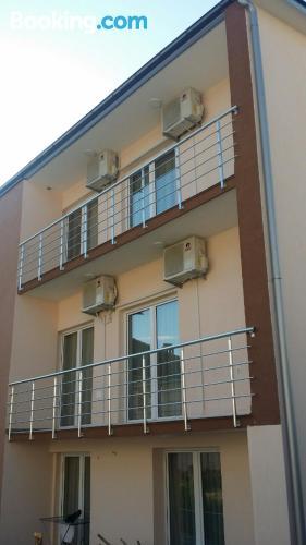 Acogedor apartamento parejas con terraza.