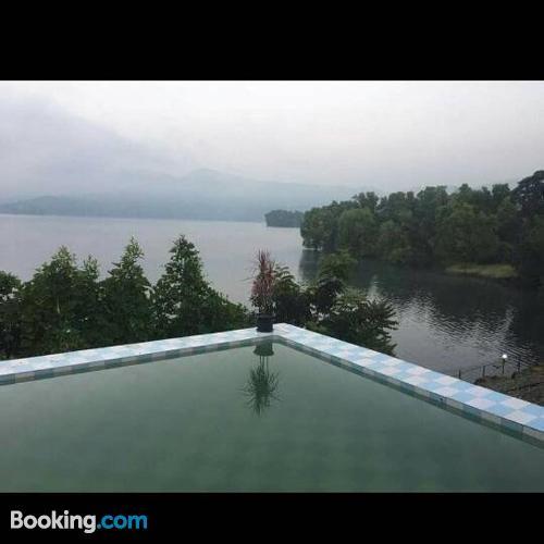 Apartamento con piscina en Pune.