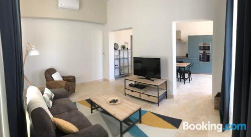 Espacioso apartamento en La Valeta con conexión a internet