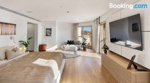 Apartamento con wifi en Herzelia .