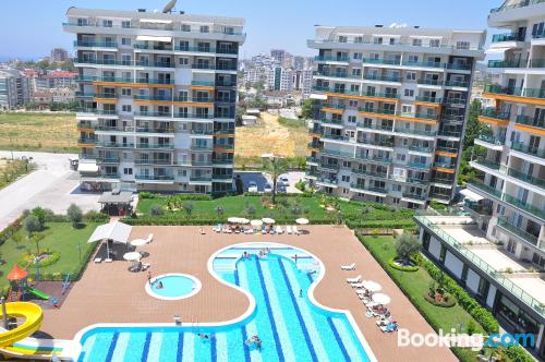 2 rooms apartment in Avsallar with terrace and swimming pool.