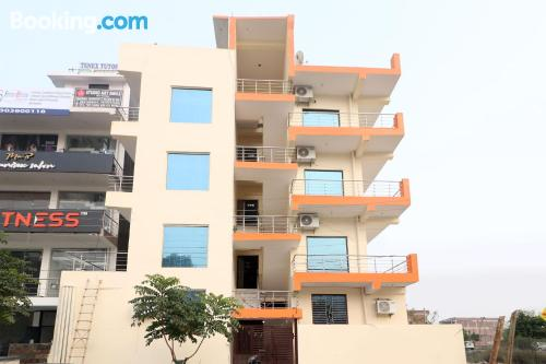 1 bedroom apartment home in Noida with air-con.