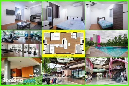 Apartamento de una habitación en Ban Talat Rangsit perfecto para grupos.