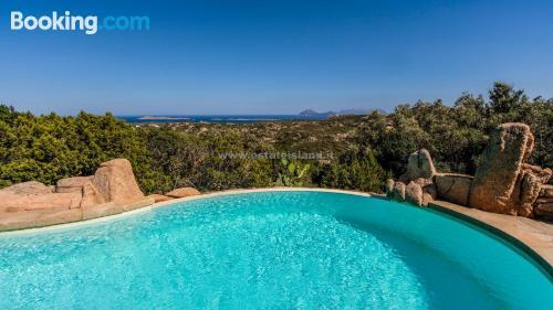 Apartamento con piscina en Porto Cervo