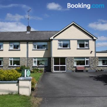 Apartment for two in Cootehill. Convenient!.