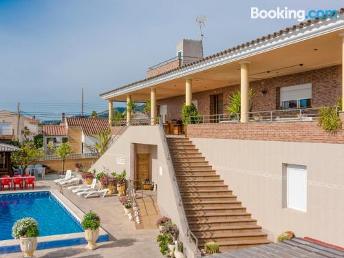 Place with terrace. Enjoy your swimming pool in Sant Carles de la Ràpita!