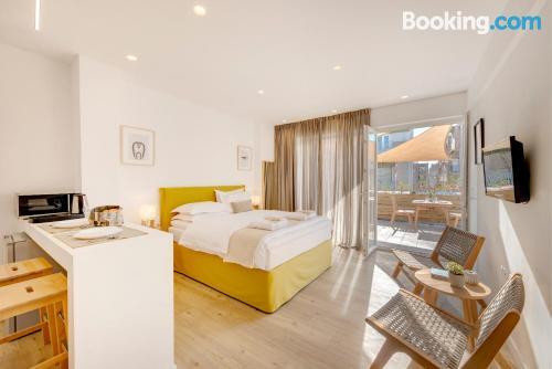 Apartamento bien ubicado con terraza en El Pireo