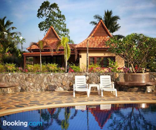Apartamento con piscina en Mae Pim