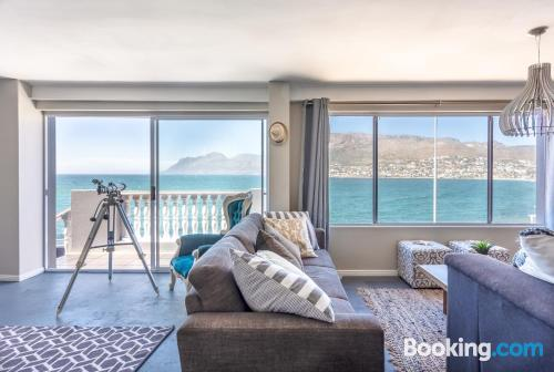 Home with 3 rooms in Cape Town.