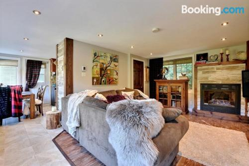 2 bedrooms place with 2 bedrooms.