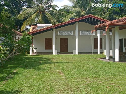 1 bedroom apartment home in Balapitiya. For couples.