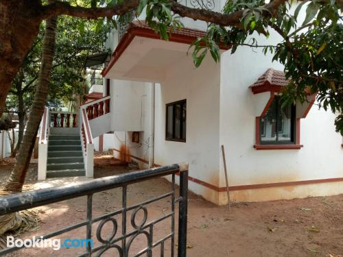 Perfect location with air-con in Candolim. Ideal for six or more