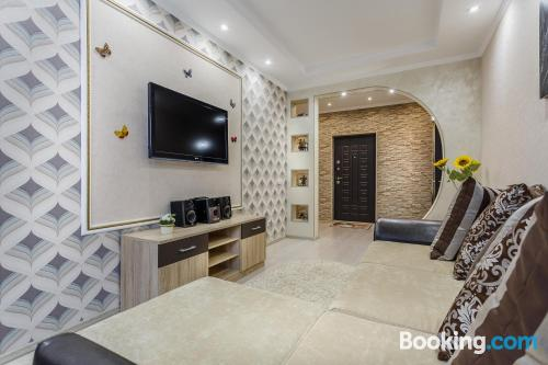 Good choice 1 bedroom apartment. Be cool, there\s air!