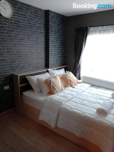 Apartamento ideal en Pathum Thani.