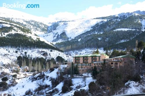 Place for couples in Güéjar-Sierra with heating and internet
