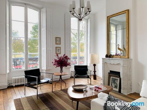 Convenient one bedroom apartment. 60m2!.