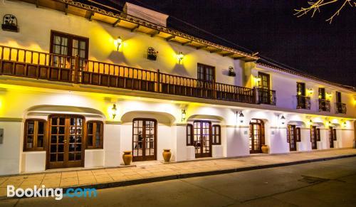 Apartamento con aire acondicionado con terraza y wifi.
