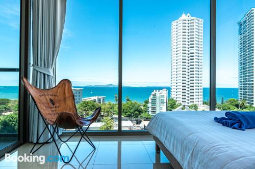 One bedroom apartment place in Pattaya North with terrace and pool.