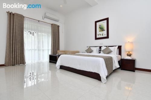 Amplio apartamento con piscina en Kandy