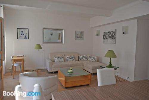Apartment in Cannes. Air-con!