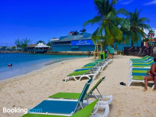 Place with internet in Ocho Rios.