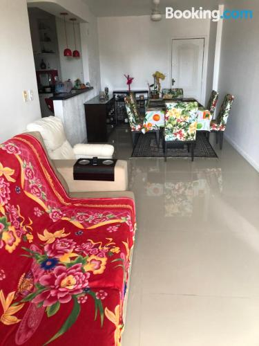 Cómodo apartamento en Cabo Frio. ¡internet!.