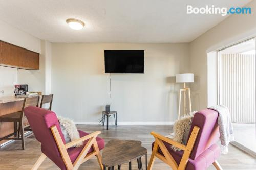One bedroom apartment place in Memphis for 2.