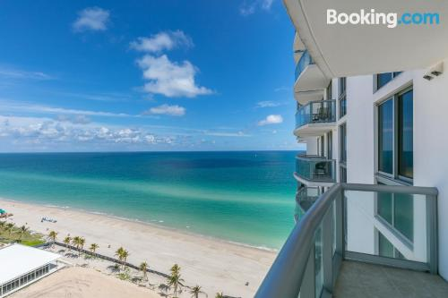 2 bedrooms place in Sunny Isles Beach. Terrace!.