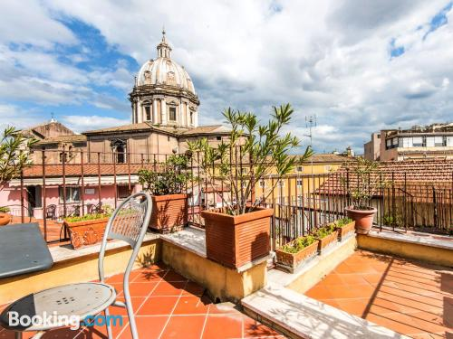 Home with terrace in center of Rome
