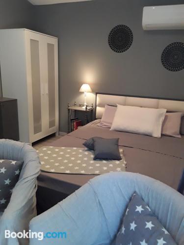 Apartamento práctico dos personas ¡con terraza!.