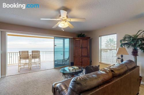 Home with internet. Enjoy your swimming pool in Clearwater Beach!