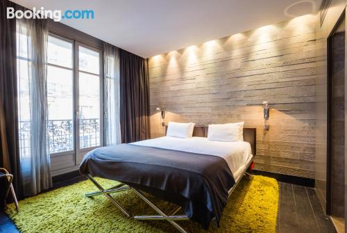 1 bedroom apartment in Paris with internet