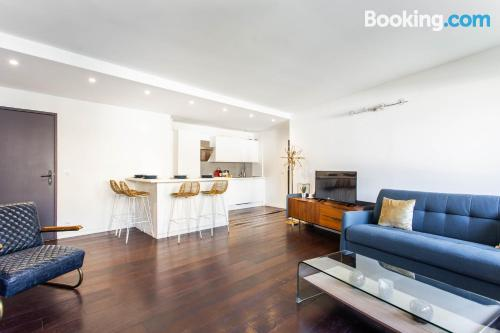 1 bedroom apartment place in Paris with wifi.