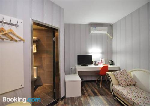 Apartment for two in Kunming. Air!