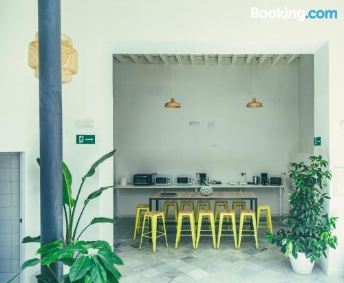 Buena zona en Cádiz para viajeros independientes.