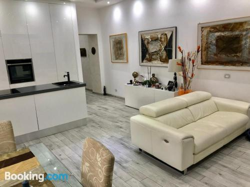 Comfy apartment in Rome convenient for groups.