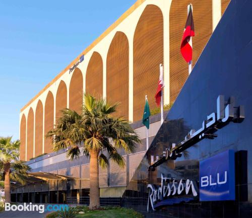 Apartamento con terraza y wifi en Riad y piscina