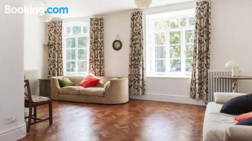 Family friendly apartment in London. Comfy!.